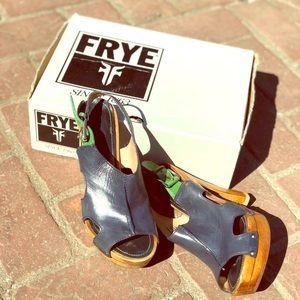 Frye boots 👢 worn women's size 9